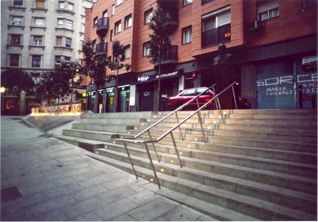 Plaza Narcis Oller y peatonalización de la calle Seneca